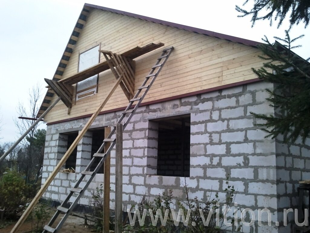 Дом из пеноблоков своими руками с балконом.